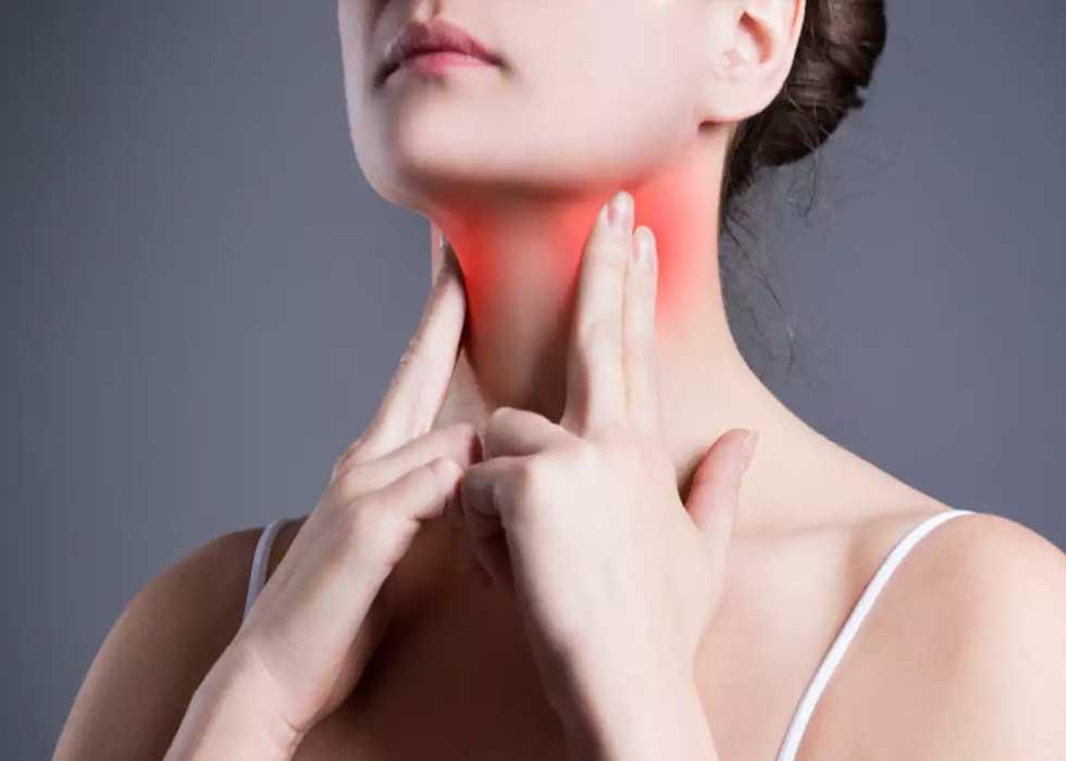 Vôi răng là một trong những nguyên nhân gây ra các bệnh về họng như: viêm amidan, viêm niêm mạc, viêm họng mãn tính...