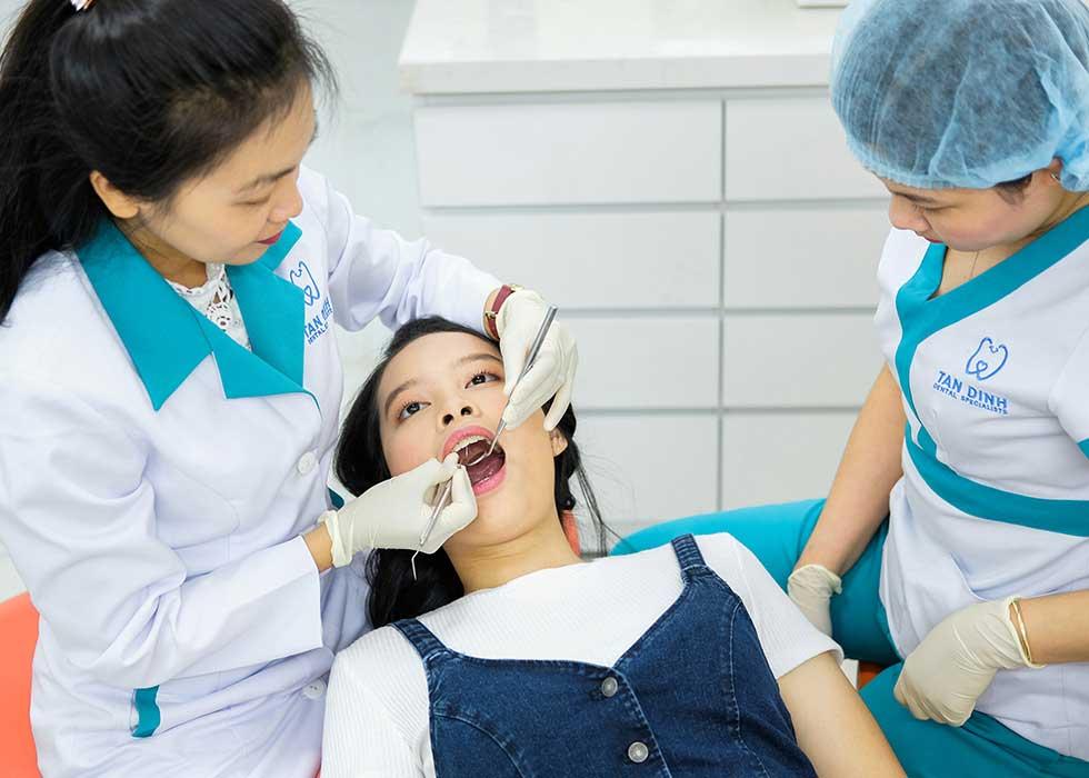 Các bác sĩ tại Nha Khoa Tân Định đều có chuyên môn cao và đã từng làm việc tại các bệnh viện đầu ngành chuyên khoa Răng - HÀm -Mặt