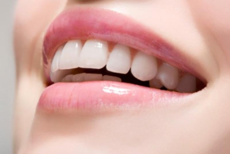 Kết luận từ các nghiên cứu cho thấy nếu được thực hiện đúng cách thì các công nghệ tẩy trắng răng không hề gây hại cho sức khỏe răng miệng. Tuy nhiên, để đảm bảo an toàn và có kết quả tốt, bạn không nên tự ý thực hiện hay tìm đến những cơ sở không có uy tín. Thay vào đó hãy tìm hiểu dịch vụ của các nha khoa có uy tín đảm bảo, sử dụng thuốc tốt và có hệ thống máy móc hiện đại.