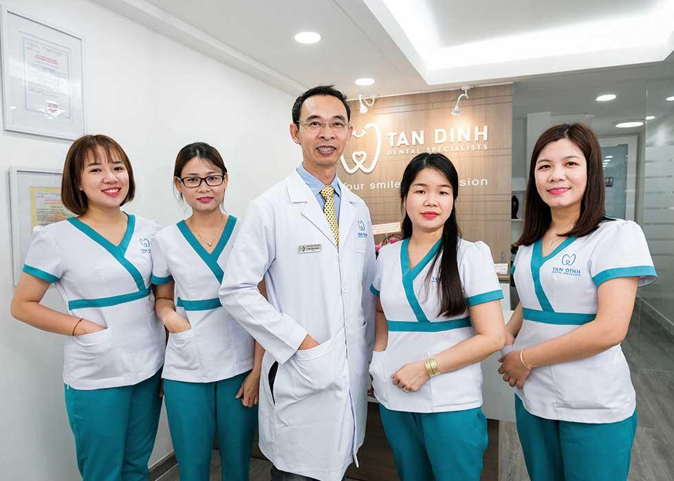 Đội ngũ bác sĩ giàu kinh nghiệm, chuyên môn cao tại Nha Khoa Tân Định