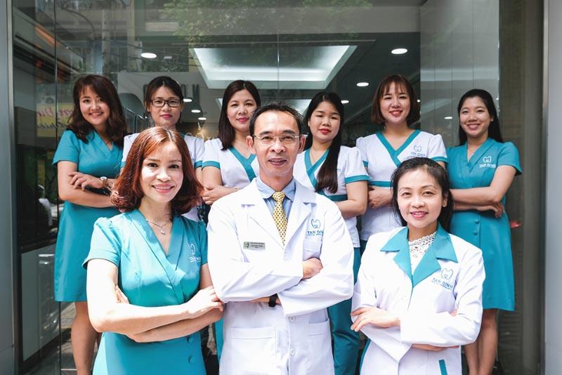 Nha khoa Tân Định thành lập từ Tháng 10/2003 do Bác sĩ Tôn Thất Ngọc đứng tên và làm chủ đã phục vụ khách hàng xuyên suốt hơn 16 năm qua tại một địa chỉ duy nhất. Nay đã là Nha Khoa chuyên sâu (Dental Specialists), với đội ngũ bác sĩ kinh nghiệm trên 20 năm trong nghề, thường xuyên tham gia các khóa đào tạo liên tục sau Đại học về các lĩnh vực chuyên sâu trong và ngoài nước.