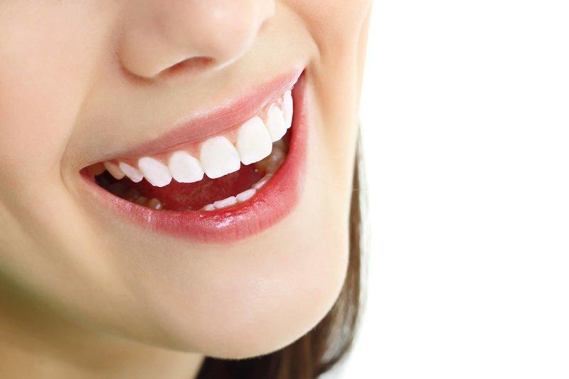 Việc phục hình thẩm mỹ răng có lẽ đã không còn quá xa lạ với nhiều người. Tuy nhiên, việc lựa chọn vật liệu cho răng cũng khiến nhiều người phải đau đầu. Trong bài viết kỳ này, Nha Khoa Tân Định sẽ giới thiệu tới bạn răng sứ Zirconia và những ưu điểm nổi bật.