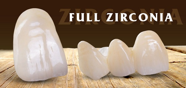 Độ tương thích: Răng sứ bằng Zirconia được đánh giá là một vật liệu an toàn, mang lại độ phù hợp cao. Không gây viêm nướu và tạo viền đen ở nướu như các loại răng sứ đời trước. Tính chính xác: Răng sứ bằng Zirconia được thực hiện bằng công nghệ theo phương pháp CAD/CAM (Computer-Aided Design/ Computer-Aided Manufacturing) giúp mang lại tính chính xác tuyệt đối. Độ bền lâu: Với răng sứ Zirconia, bạn sẽ có thể sử dụng liên tục trong ít nhất từ 10-15 năm.