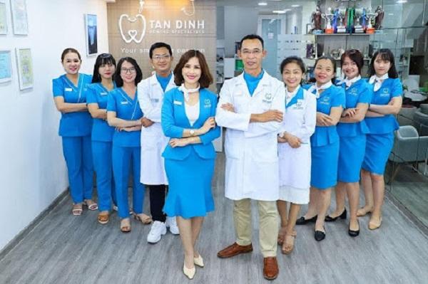 Đội ngũ bác sĩ-nha sĩ nhiều năm kinh nghiệm tại Nha khoa Tân Định