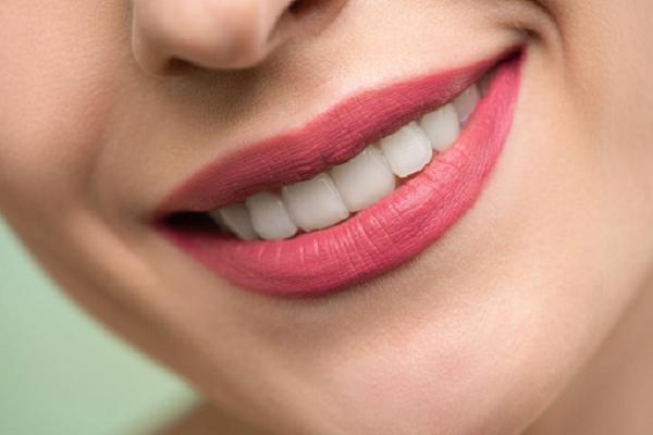 Tẩy trắng răng WhiteMax tạo độ trắng sáng tự nhiên và bền lâu